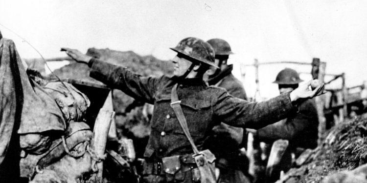 Накануне нового года немецкие солдаты футбол
