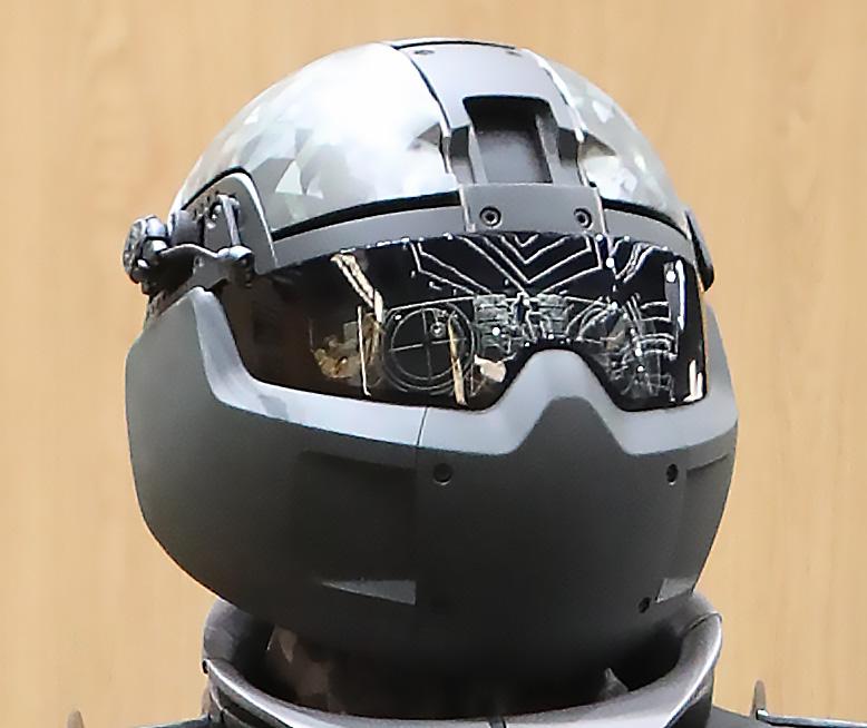 Бронешлем, где пулестойкое стекло – особый монитор.
