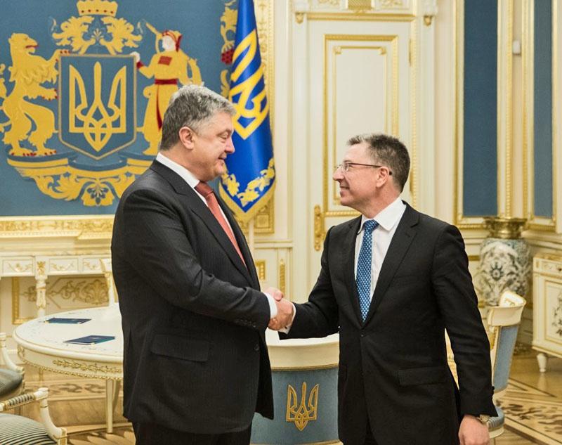 Президент Украины Петр Порошенко выполняет рекомендации спецпредставителя госдепартамента США по Украине Курта Волкнера.