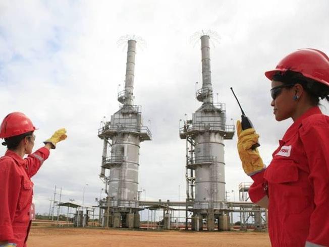 Закупки венесуэльской нефти Китаем и Россией не спасут страну.