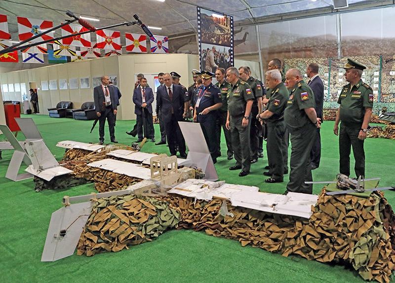 Дроны использованные ИГ (организация запрещена в России) в Сирии на выставке трофеев в парке «Патриот».