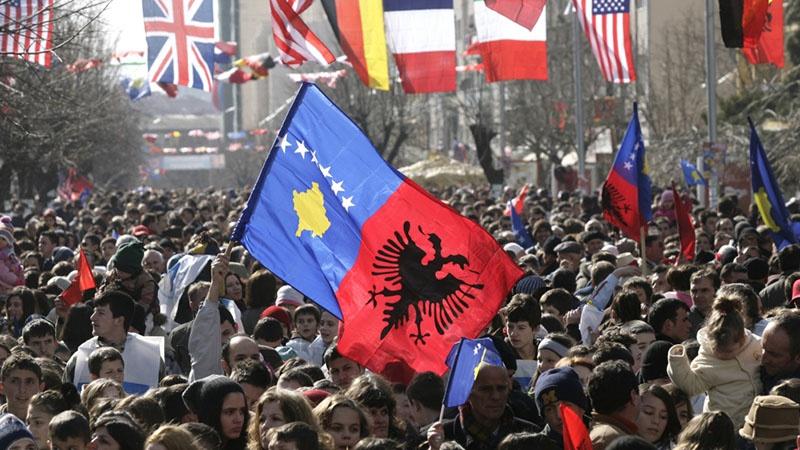 Присутствие американцев на Балканах обеспечивалось не столько собственными возможностями США, сколько сложным переплетением интересов.