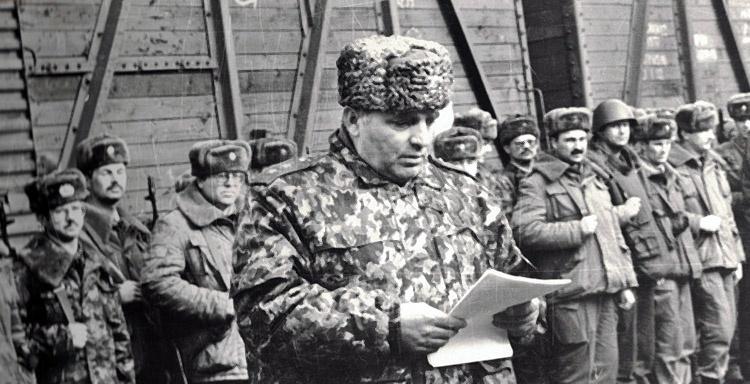 Генерал-лейтенант Н.П. Кошман подводит итоги выполнения боевой задачи. Ст. Червленная-Узловая.