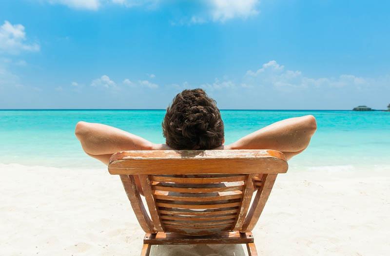 Солнце, море, пляж. Что ещё нужно для счастья актёра, назначенного президентом?