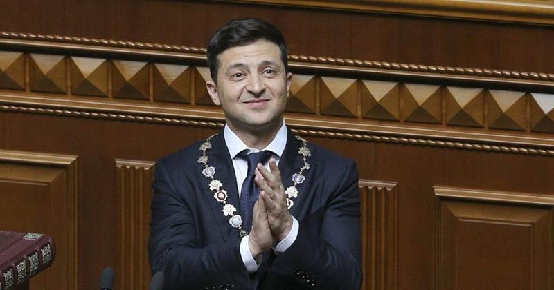 Зеленский собирается продолжать внешнеполитическую линию Порошенко, Януковича, Кучмы и иже с ними.