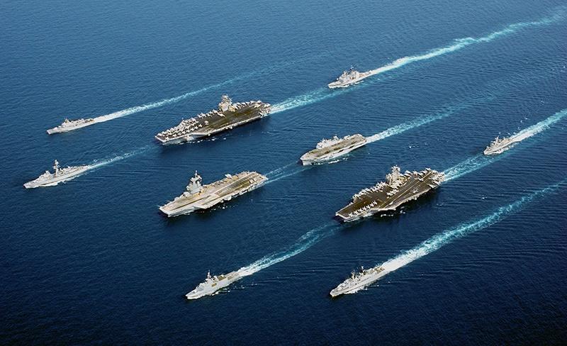 Авианосная ударная группа ВМС США.