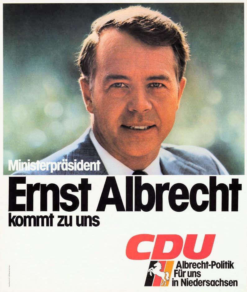 Отец Урсулы - Эрнст Альбрехт был известным политиком.