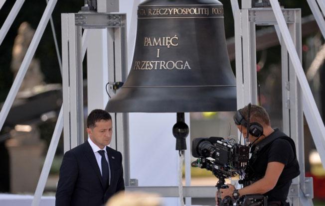 Президент Украины Владимир Зеленский на торжественной церемонии по случаю 80-й годовщины начала Второй мировой войны в Варшаве.