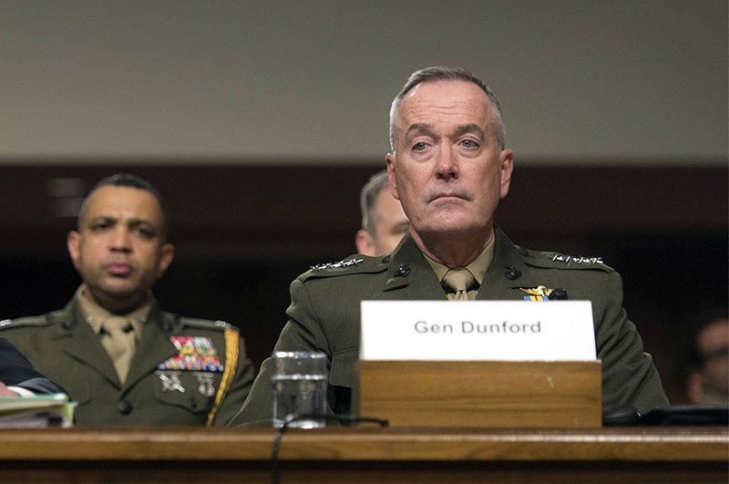 Председатель Объединённого комитета начальников штабов генерал Джозеф Данфорд на слушаниях в Конгрессе говорил о допустимости жертв среди гражданского населения.