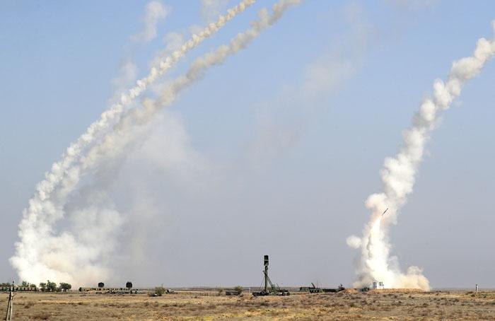 Учебно-боевые пуски ракет.