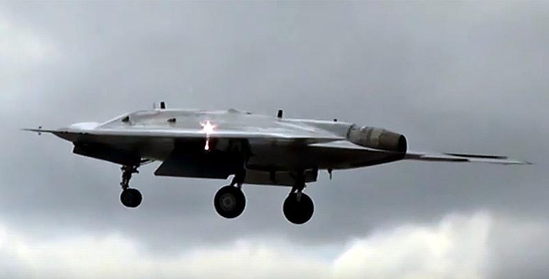 Российский ударный беспилотный летательный аппарат «Охотник».