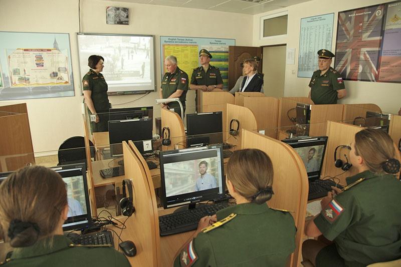 Специалисты филологического направления Военного университета обеспечивают лингвистическое обеспечение мероприятий Министерства обороны России в Сирии, Ливии и Венесуэле.