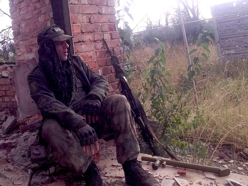 Приехав на Донбасс, Кастель принимает участие в ведущихся в те дни боях за Дебальцево.