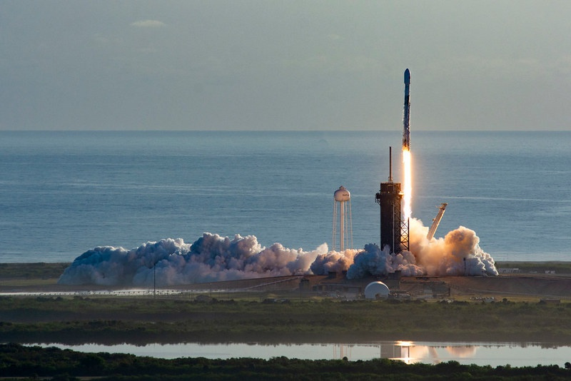 Запуск очередного спутника по программе Starlink.