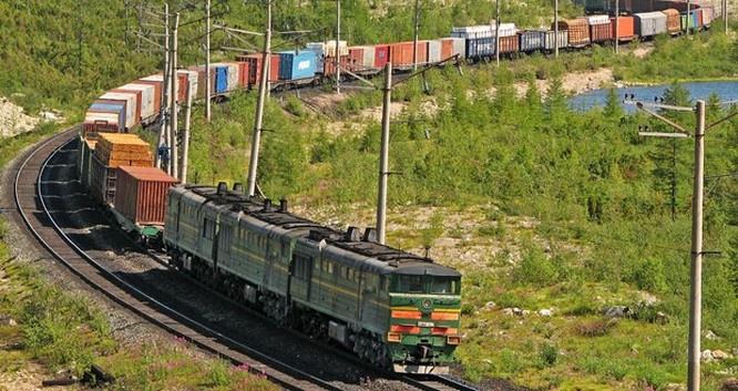 Стране представится возможность ежегодно экономить на поставках грузов железнодорожным транспортом $220 млн долларов из-за льготных тарифов на международные перевозках.